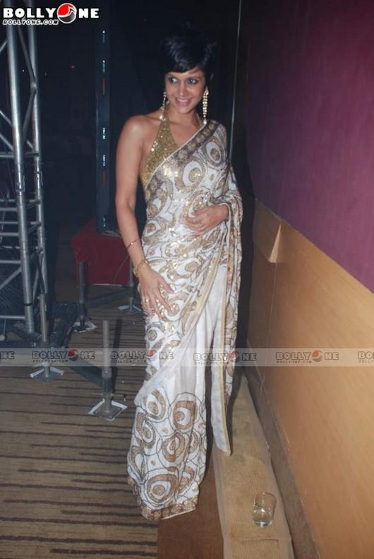 Mandira Bedi White Saree Hot Wallpaper