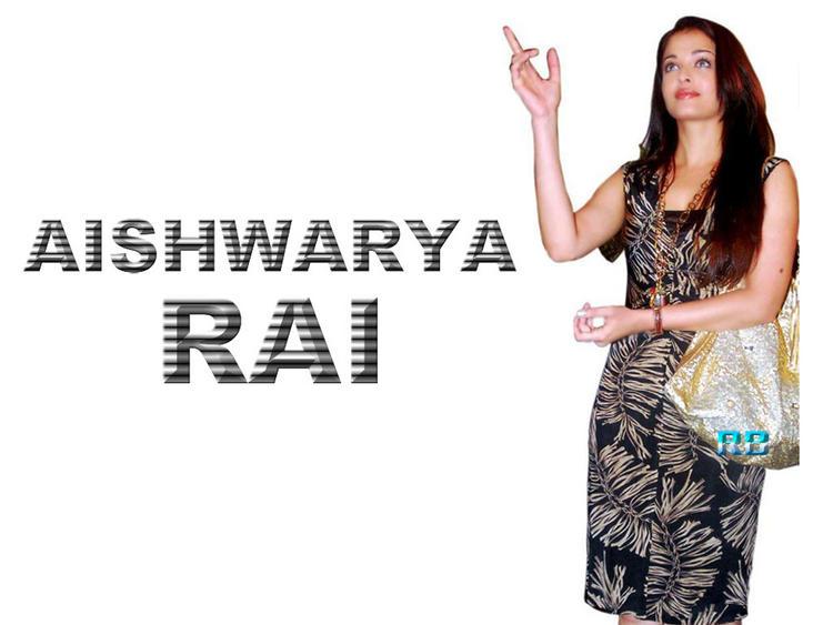 Aishwarya Rai Nice Looking In Dress Wallpaper