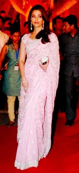 Aishwarya Rai In Red Carpet Photo