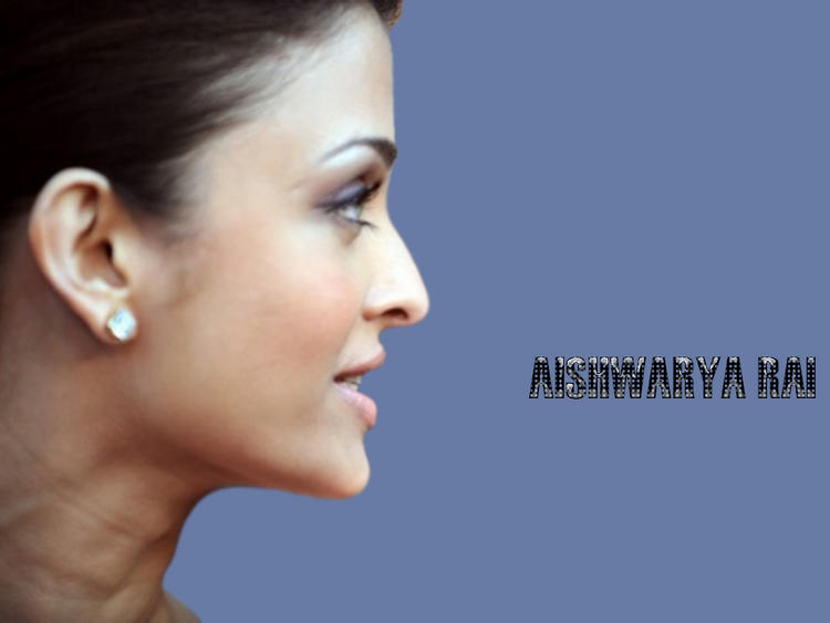 Aishwarya Rai Side Face Look Wallpaper
