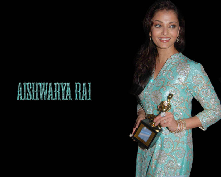 Aishwarya Rai Taking Award Wallpaper
