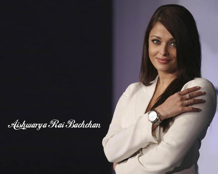 Aishwarya Rai White Blazer Looking Bold Wallpaper