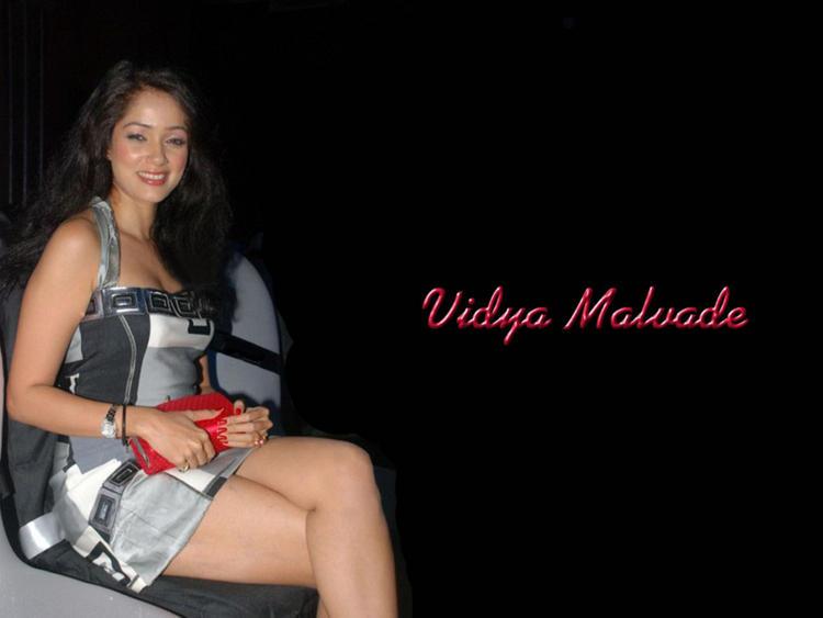 Vidya Malvade Glossy Legs Wallpaper