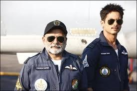 Shahid With Dad Pankaj Kapoor in Air Force Uniform For Mausam