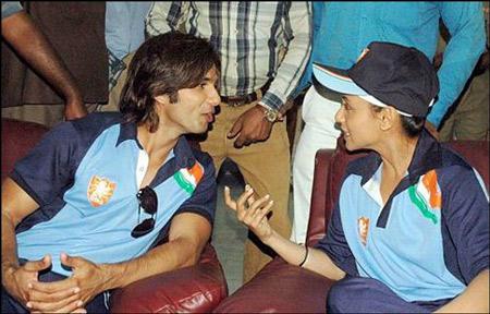 Shahid Kapoor and Rani Cute Still