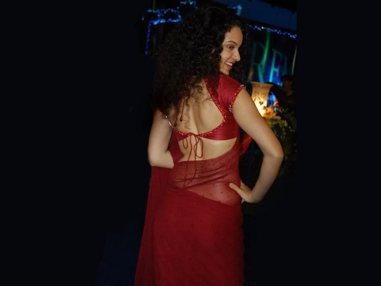 Kangana Ranaut Sexy Back Expose Wallpaper In Saree