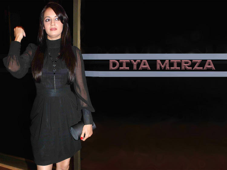 Diya Mirza Black Dress Sizzling Wallpaper