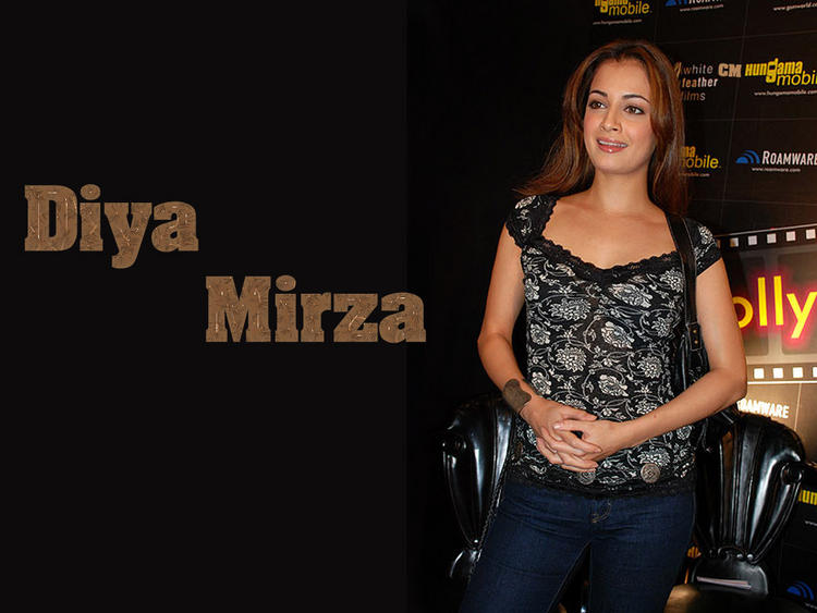 Diya Mirza Looking Very Beautiful