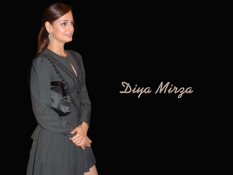 Diya Mirza Short Dress Hot Wallpaper