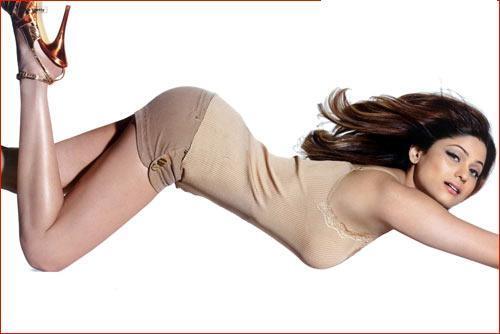 Shamita Shetty Displaying Curves Sexy Brown Shorts
