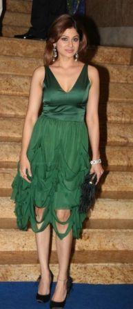 Shamita Shetty Looking Beautiful In Green Dress