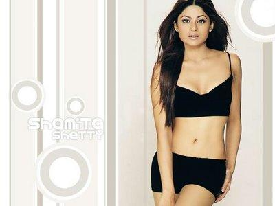 Shamita Shetty Sexy Navel Pic In Two Piece Dress