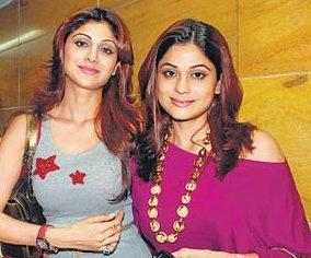 Shilpa Shetty and Shamita Shetty at Cash Screening