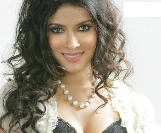 Nandana Sen Curly Hair Sweet Still