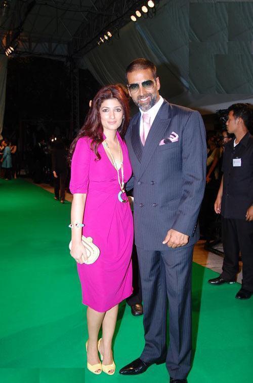 Akshay Kumar and Twinkle On Green Carpet