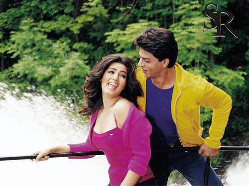 Shahrukh Khan and Twinkle Khanna Romance Still