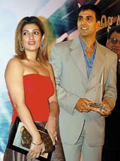 Twinkle Khanna and Akshay Latest Pic