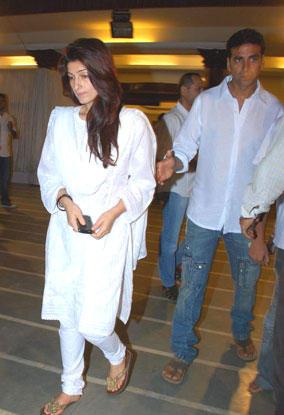 Twinkle Khanna and Akshay Photo