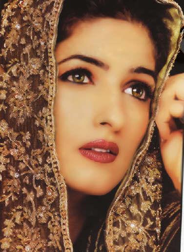 Twinkle Khanna Looking So Beautiful