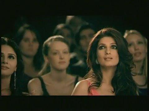 Twinkle Khanna Micromax Mobile Ad Still