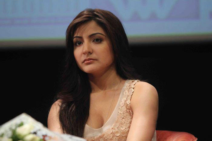 Anushka Sharma Nice Face Look