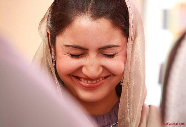 Anushka Sharma Smiling Face In Patiala House