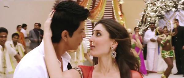 Shahrukh Khan and Kareena In Chammak Challo Song
