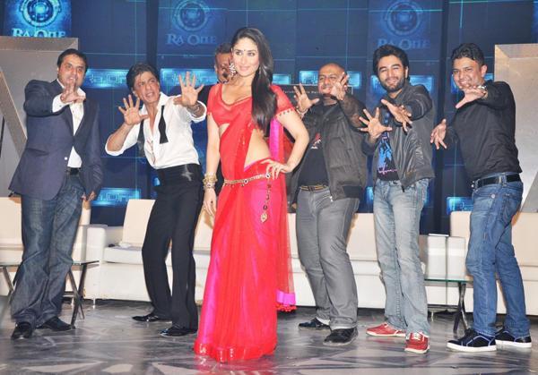 Shahrukh Khan Chammak Challo Dance Pose