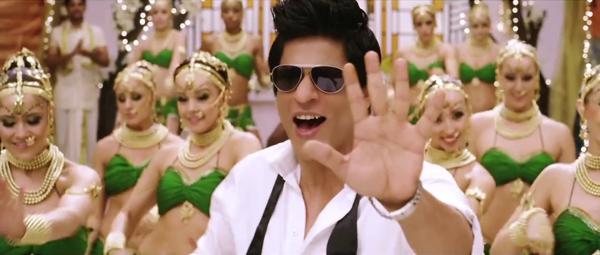 Shahrukh Khan Cute Pose In Ra.one