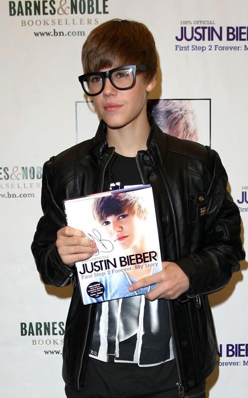 Justin Bieber Launch Photo