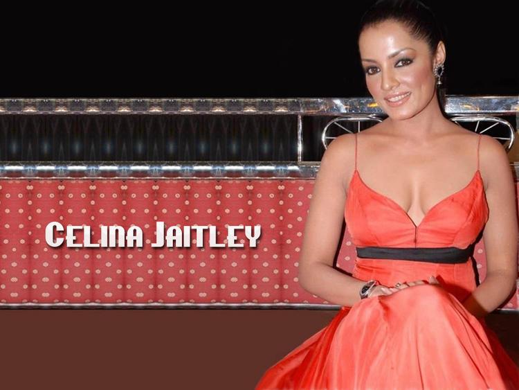 Celina Jaitley Open Boob Show Hot Still