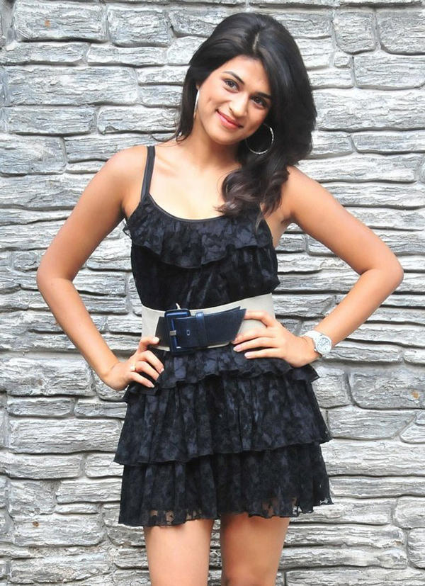 Shraddha Das Short Black Dress Hot Wallpaper