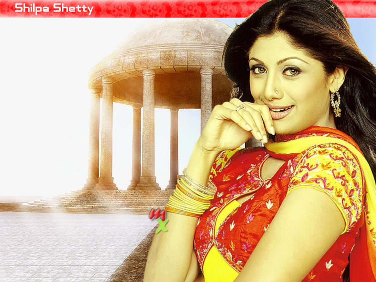 Cool Looking Shilpa Shetty Sizzling Still