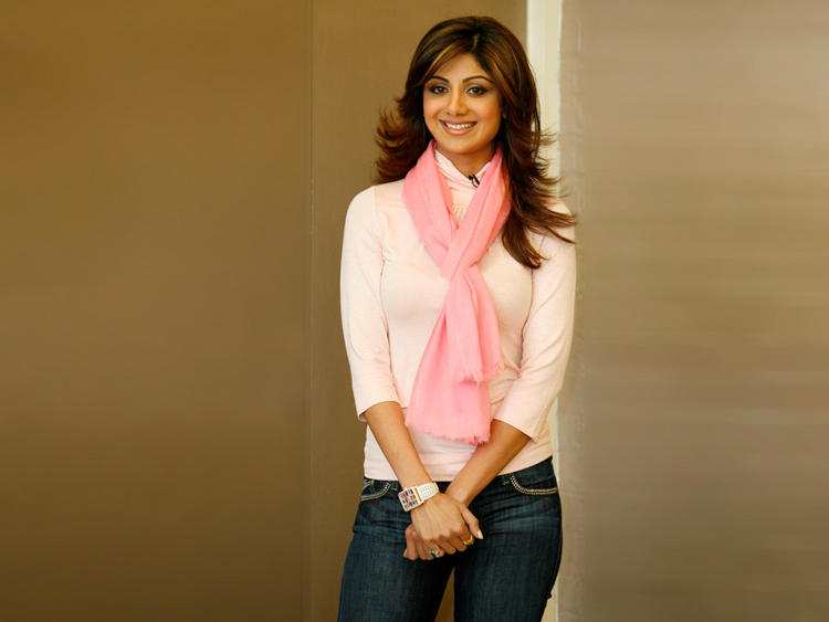 Shilpa Shetty Cute and Sweet Pose Photo Shoot