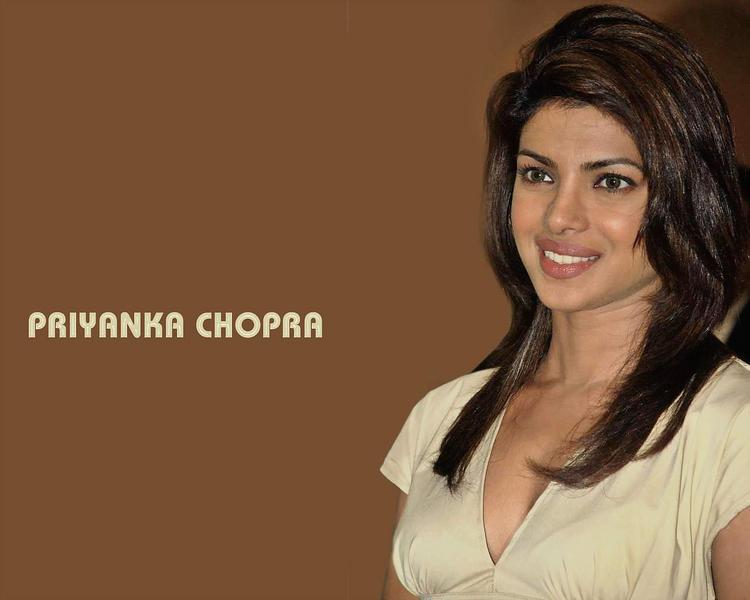 Priyanka Chopra Cute Smile Face Look Wallpaper