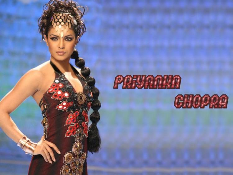 Priyanka Chopra Fashion Movie Wallpaper