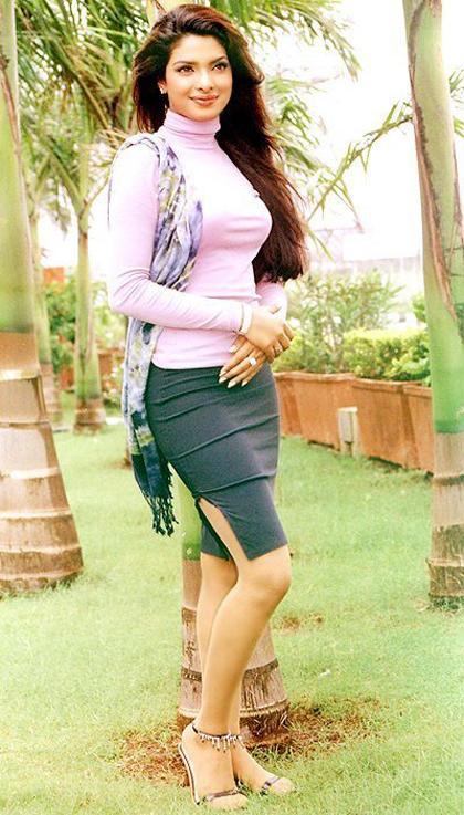 Priyanka Chopra Nice And Cool Wallpaper