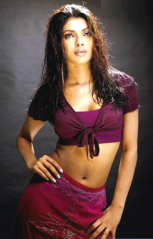 Priyanka Chopra Sexy Navel Exposing Wallpaper