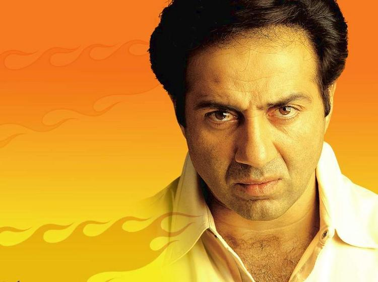 Sunny Deol Angry Look Wallpaper