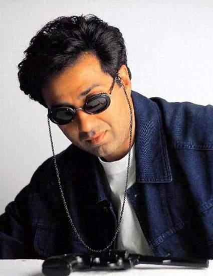 Sunny Deol Wearing Glass Wallpaper