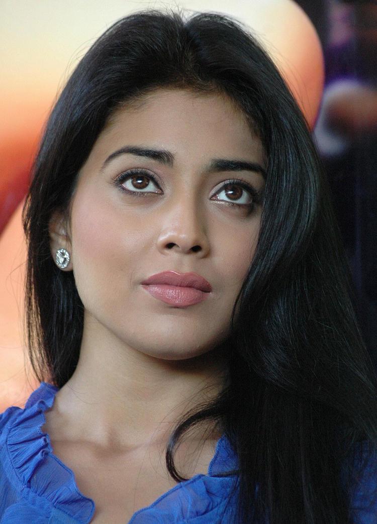Shriya Saran Close Up Pic