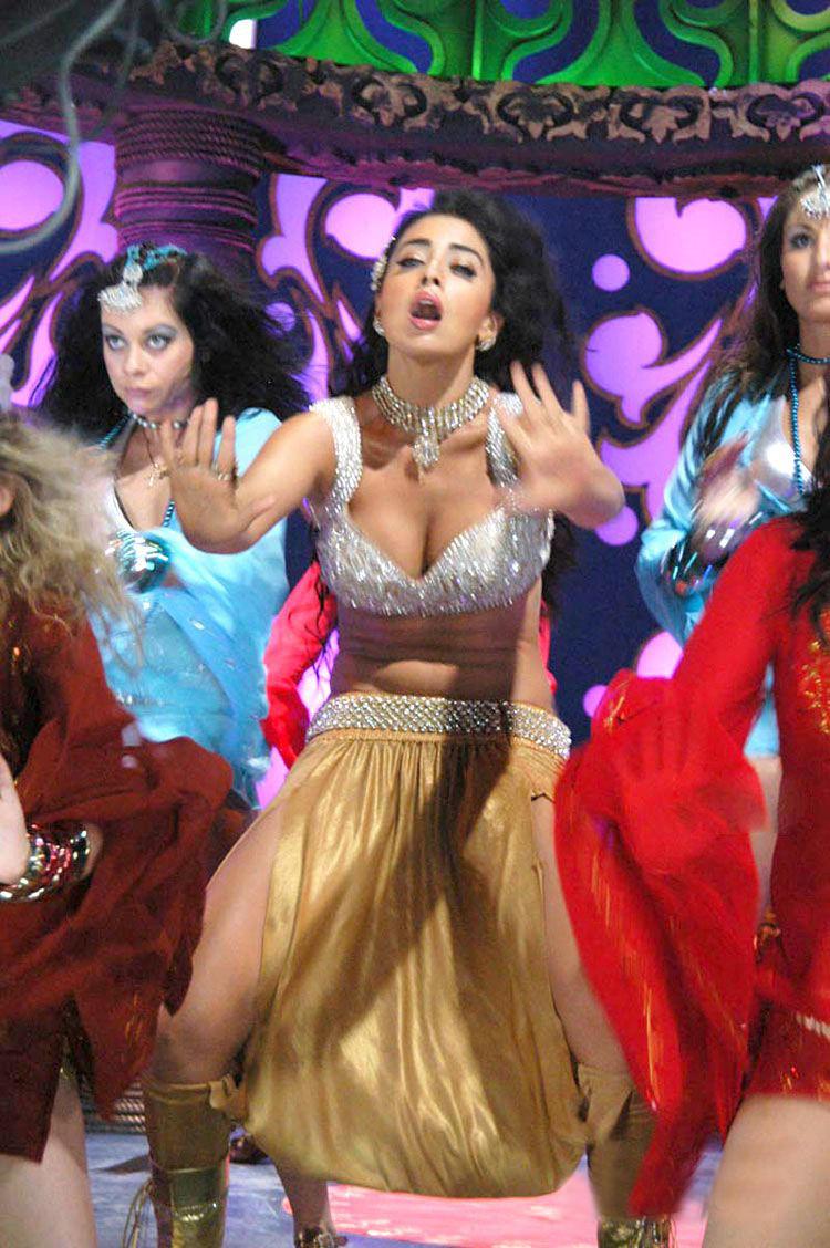 Shriya Saran Hot Item Song Dance Still
