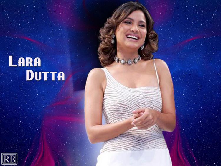 Lara Dutta Cute Smile Face Look Wallpaper