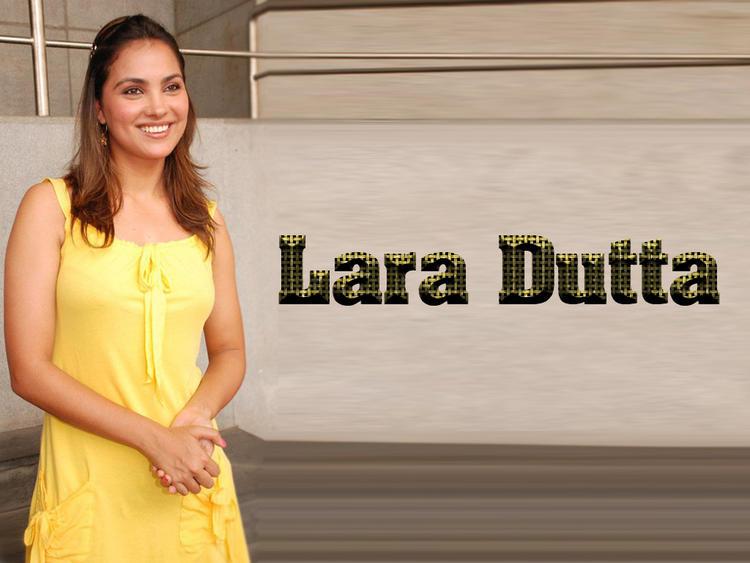 Lara Dutta Simple Look Wallpaper