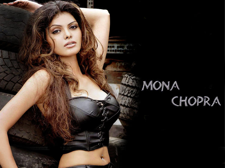 Mona Chopra Hot Navel Spicy Pose Wallpaper