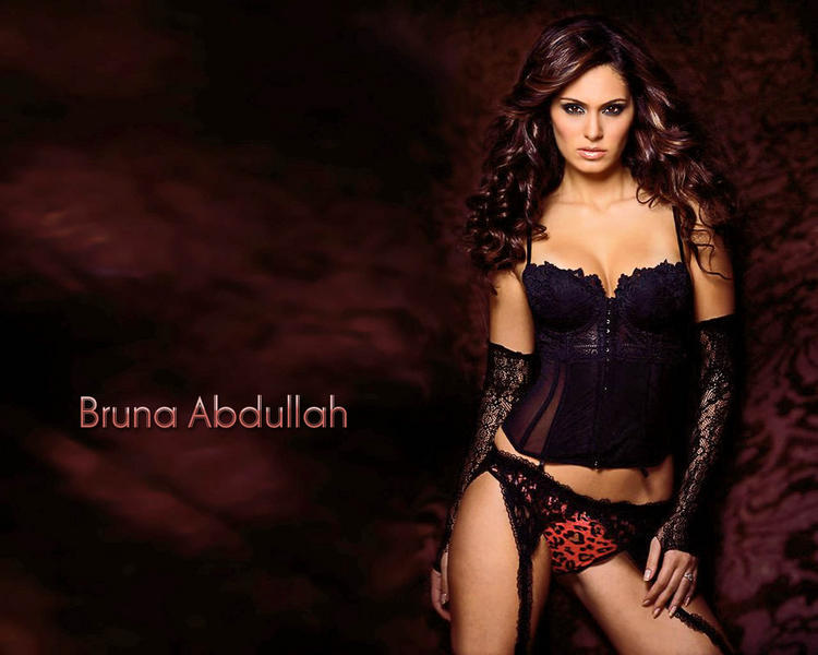 Bruna Abdalah Hot Gorgeous Wallpaper In Mini Dress