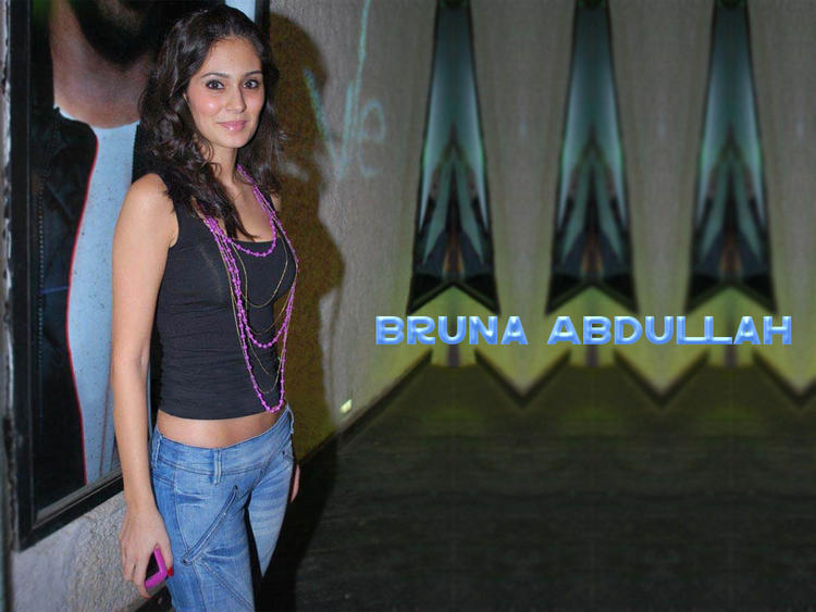 Bruna Abdullah Hot Wallpaper In Short Tops and Jeans