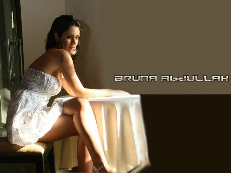Bruna Abdullah Strapless Dress Sizzling Wallpaper