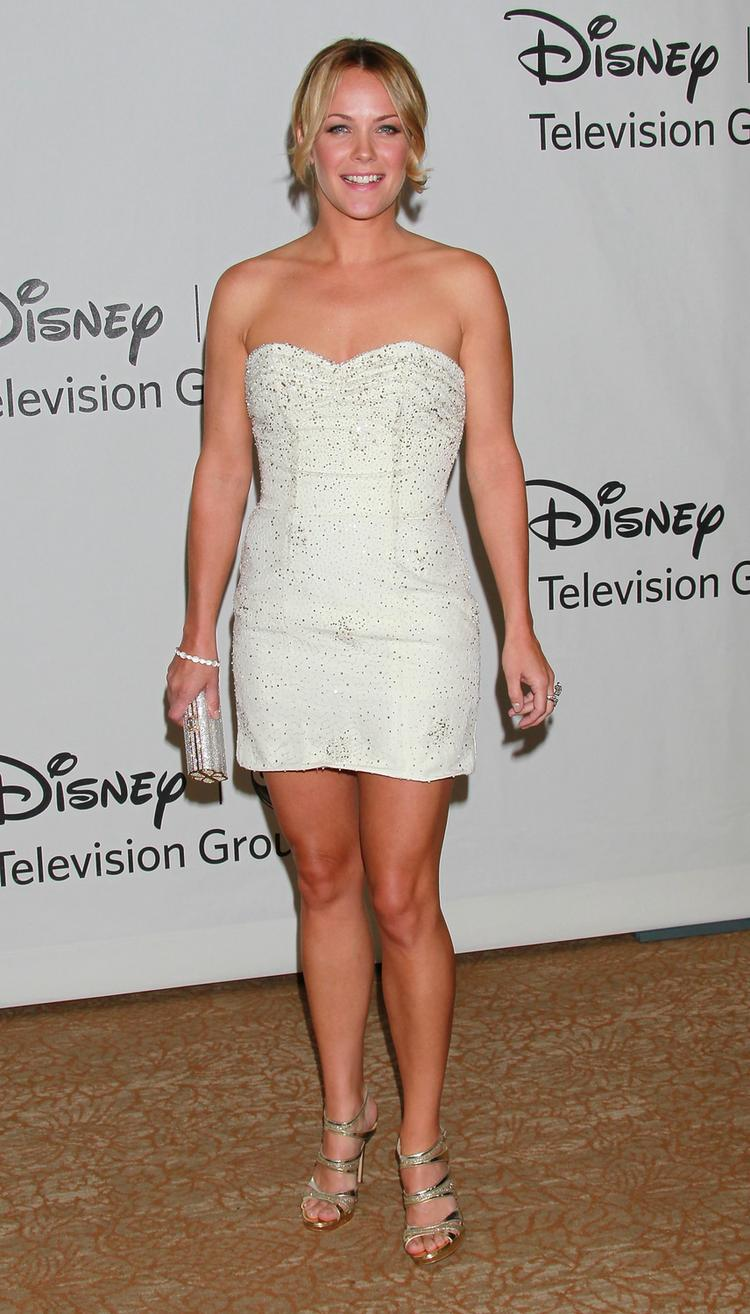 Andrea Anders White Dress Hot Photo