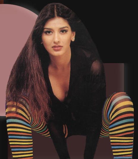 Sonali Bendre Bold Look Wallpaper